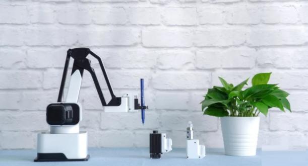 رباتی که میتواند منشی دفتر شما باشد!