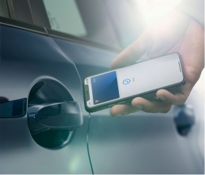 گوگل، گوشی هوشمندتان را به سوییچ دیجیتال خودرو تبدیل می کند