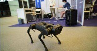 ربات مجهز به هوش مصنوعی که راه رفتن خودرا با محیط سازگار میکند