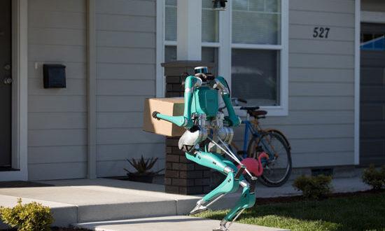 ربات انسان نما ؛ مامور جدید اداره پست